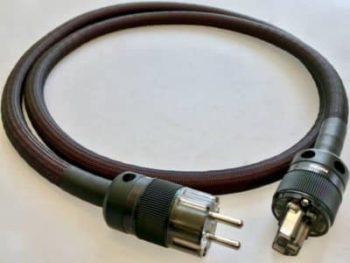 Two audiophile reviews Matrix Power Cable