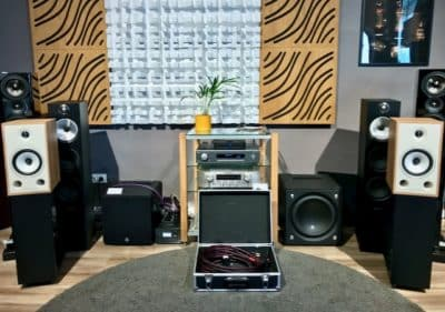 Triangle bookshelf speakers